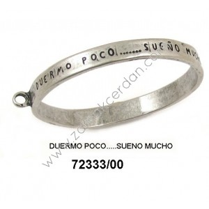 "BRACELET WITH RING ""DUERMO POCO SUENO MUCHO"""